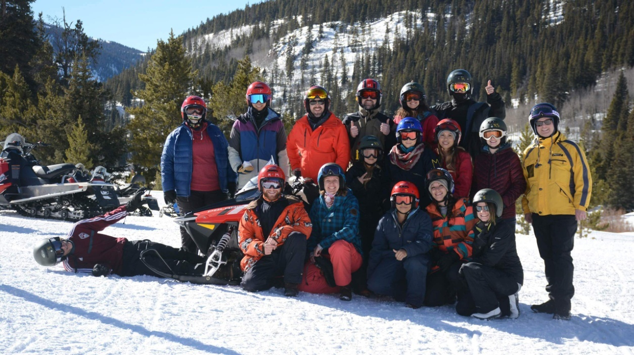 C:\Users\CONNIE\Documents\Ebooks\team-snowmobiling--2018.jpg